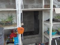 Работники подпольного швейного цеха в Окуловке прятались в потайной комнате