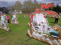 В центре Великого Новгорода будут водить суперхоровод и научат рисовать на воде