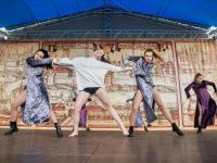 В Великом Новгороде главным событием Дня молодежи стал танец