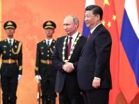 Владимир Путин подарил китайскому лидеру баньку из двухсотлетнего кедра