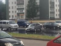 Потоп на Попова: вода неумолимо заполняет проезжую часть