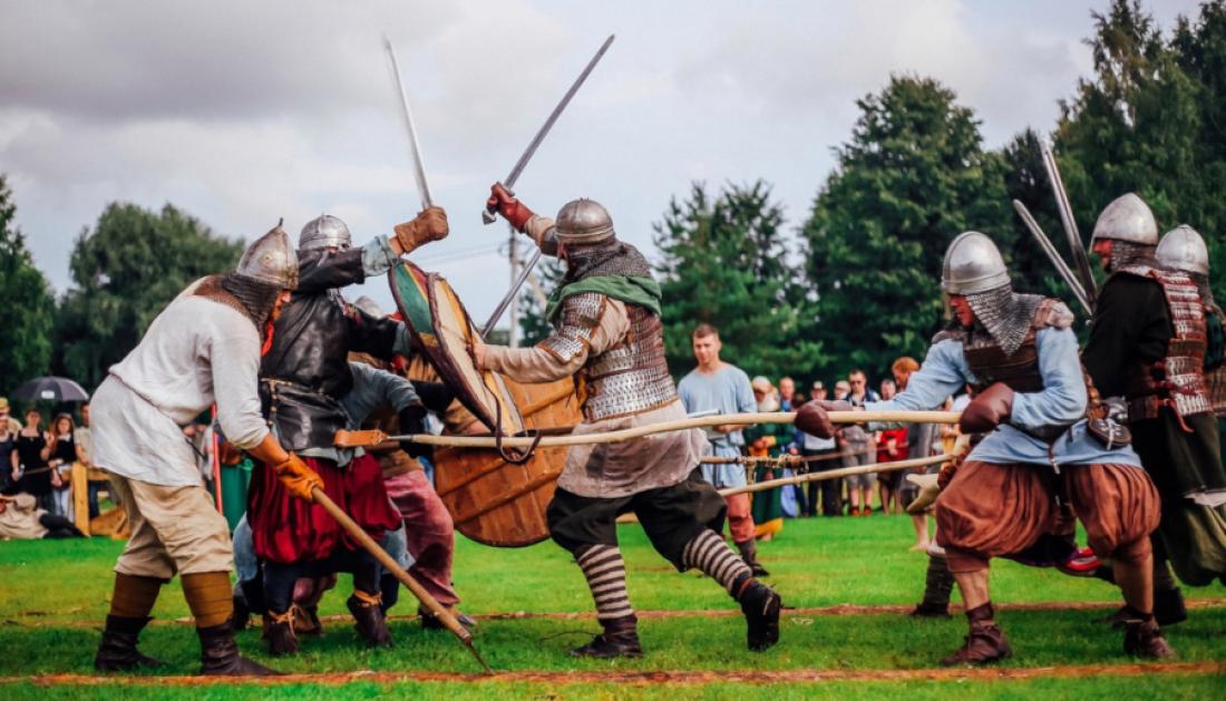 В Старой Руссе более сотни ратников покажут битву на «Княжьей Братчине»