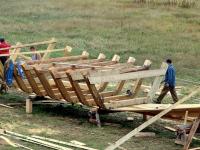 В Старорусском районе восстанавливают последний народный парусник России — ильменскую сойму
