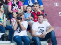 Семьи новгородских дорожных полицейских поддерживают российских футболистов на Мундиале