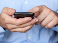 В Боровичском районе компания заставила покупателя через суд вернуть смартфон со сбоями