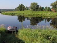 В Боровичском районе автомобиль съехал в реку. Пострадал пассажир