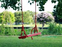 В сквере у реки Веряжа детская площадка появится уже к октябрю