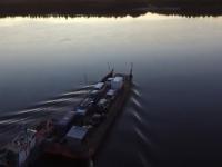 Видео: участники экспедиции «Земляки» переправляются на пароме через Печору