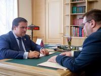 Боровичский район просит помочь с дорогами и обещает «подтянуть» отстающую зарплату