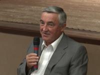 Мэр Великого Новгорода обсудил с жителями двух районов благоустройство города и предстоящие выборы