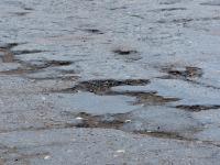 Неровности на дороге в Сольцах ставили под угрозу жизнь