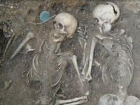 «Первый канал» рассказал об убийстве сотен военнопленных в лагере под Старой Руссой