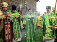 В Хвойнинском районе почтили память архимандрита Иосифа (Сафронова) и освятили новый храм