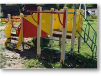 В Крестцах появились детские площадки там, где попросили жители