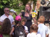 В непростом новгородском дворе прошел концерт: взлетят ли теперь качели?