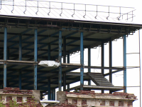 В Великом Новгороде собственнику разрушающейся бывшей бани грозит штраф в миллион рублей