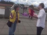 Видео: новгородцы устроили импровизированный концерт у пешеходного моста