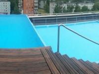 Владелец новгородского «Мармелада» прокомментировал жалобу на якобы протекающий бассейн на крыше