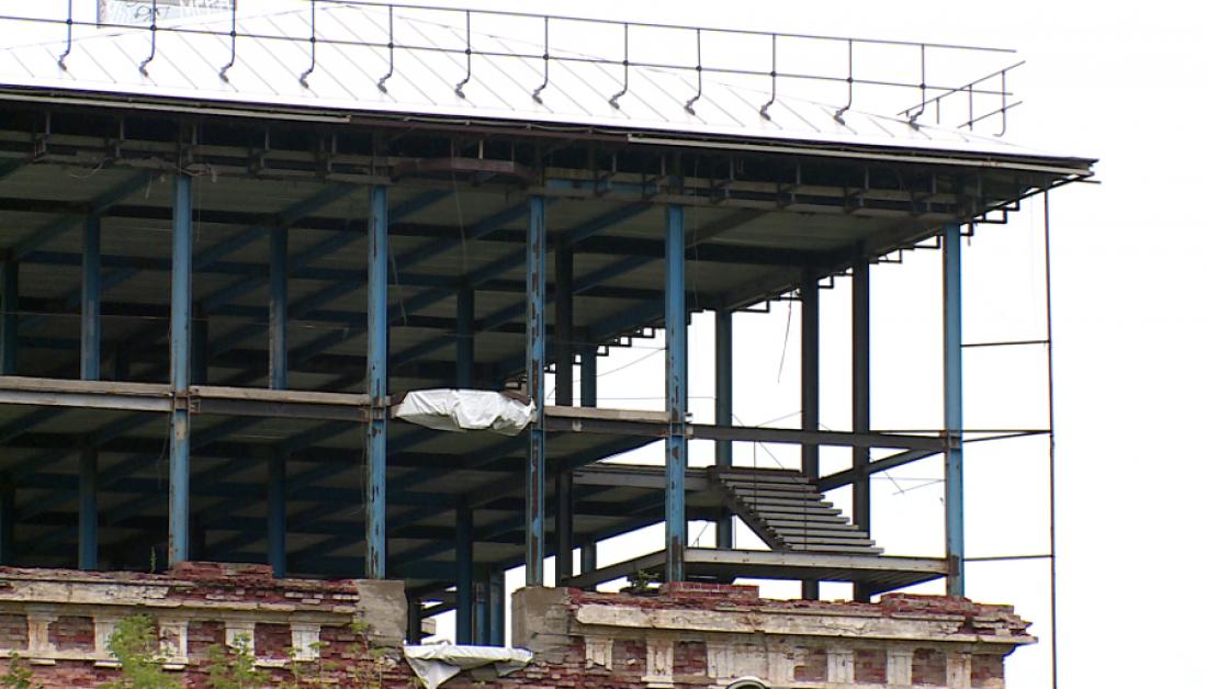 В Великом Новгороде суд поддержал прокуратуру и СМИ в деле с баней-многоэтажкой