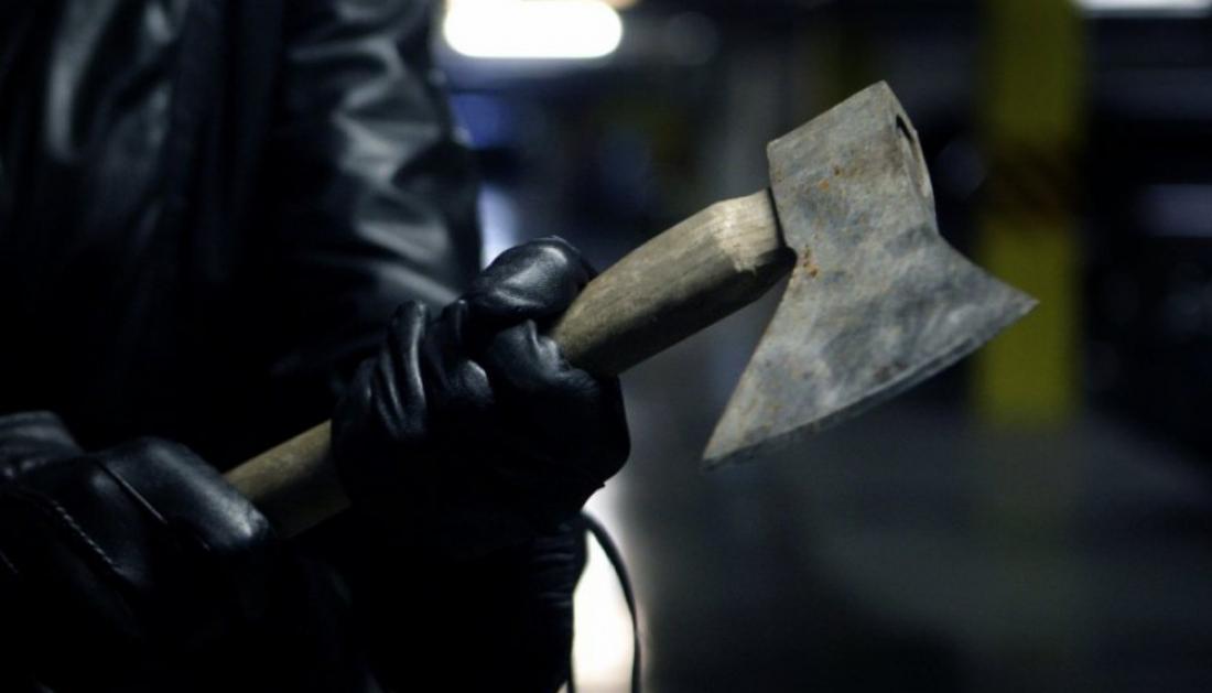Жительницу Старорусского района зверски зарубили топором