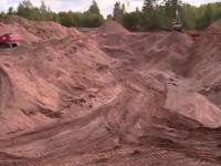 Предприниматель в Крестецком районе незаконно разбил карьер по добыче песка на сельхозугодьях