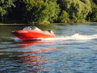 В Чудове мужчина из лодки бросал угрозы представителям власти — скоро состоится суд