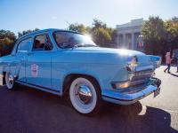 Встречаем ретро-автомобили на новгородской земле: фоторепортаж