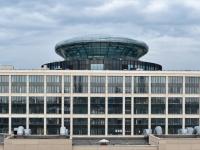 Александр Беглов нашел способ сэкономить на покупке «здания с летающей тарелкой» на Новгородской улице