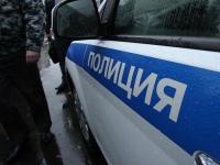 Жители любытинской деревни указали полицейским на преступника в федеральном розыске
