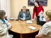 Депутат облдумы обсудил с новгородцами коммунальные проблемы