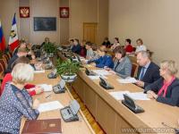 В комитетах Новгородской областной Думы определились по ряду законопроектов: поддержать или отклонить