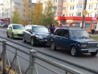 Фотофакт: три легковушки столкнулись на Псковской