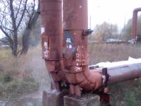 На Торговой стороне Великого Новгорода прорвало теплотрассу и водопровод