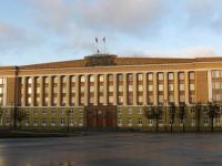 В Новгородской области трехсторонняя комиссия обсудит увеличение МРОТ, льготы и ВИЧ