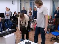 Видео: в новгородском «Кванториуме» пытаются соединить науку и творчество