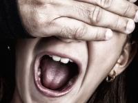 В Петербурге мигрант насиловал новгородскую девушку более двух часов