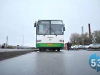 В Великом Новгороде водитель автобуса сбил женщину
