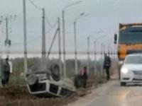 В Великом Новгороде водитель не справился с машиной на свежеотремонтированной дороге