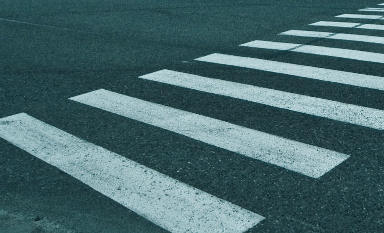 В Великом Новгороде пешехода сбили на переходе «Жигули»
