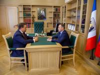 Андрей Никитин поздравил Сергея Бусурина с победой