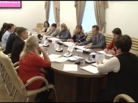 Детский омбудсмен вместе с новгородцами обсудила, как защитить ребенка от угроз в сети
