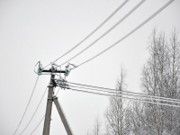 Мокрый снег в районах области вызывает тревогу в «Новгородэнерго»