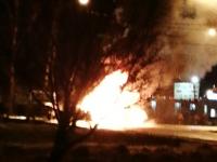 На трассе М-10 в Новгородской области сгорел автомобиль. Есть пострадавшие
