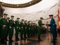 Новгородцы из Преображенского полка приняли присягу в Москве