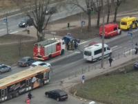 После ДТП в Великом Новгороде автомобиль выбросило на пешеходный переход