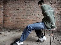 Два петербуржца похитили жителя Новгородской области и угрожали ему пытками
