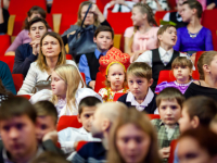 Фоторепортаж: 500 новгородских ребят побывали на губернаторской елке