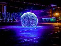 Фоторепортаж: Великий Новгород готов к празднованию Нового года