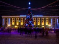 Как зажгли Ёлочку в Великом Новгороде: фото и видео