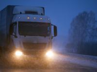 На М-11 в Новгородской области фура врезалась в авто и сбила водителя, вышедшего из него